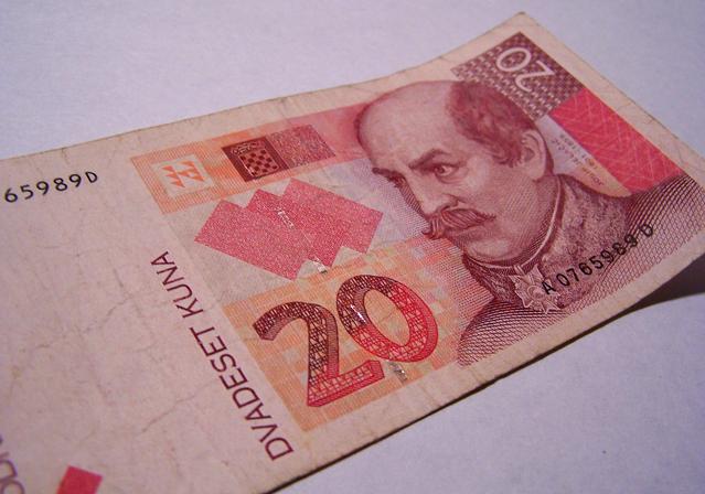 bankovka chorvatské kuny, která je již mimo
